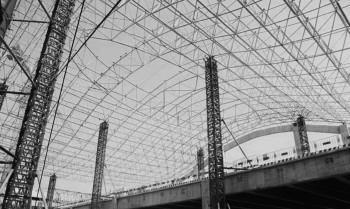 潍坊南站房钢网架屋盖顺利顶升就位!正式进